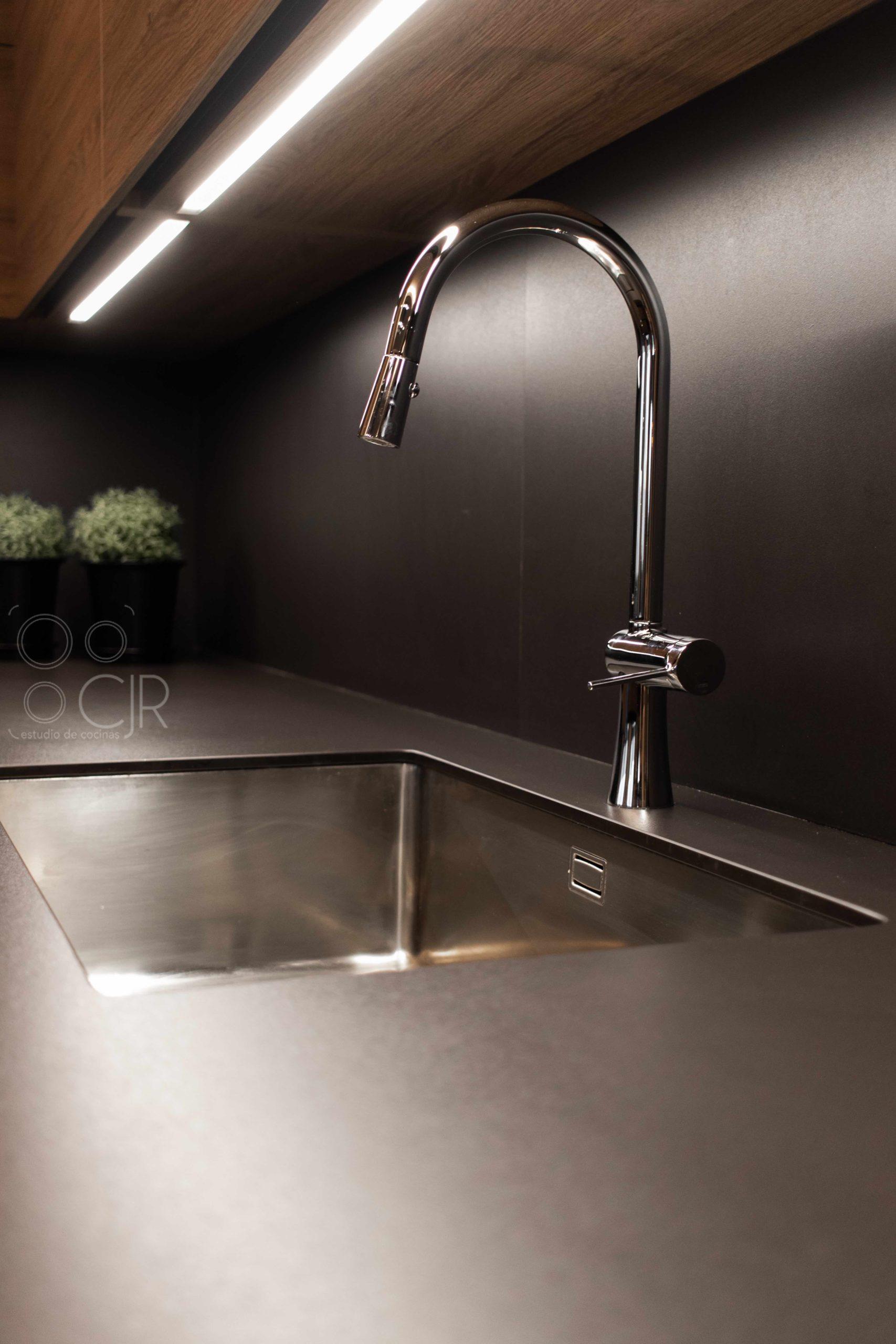 grifo cocina negro