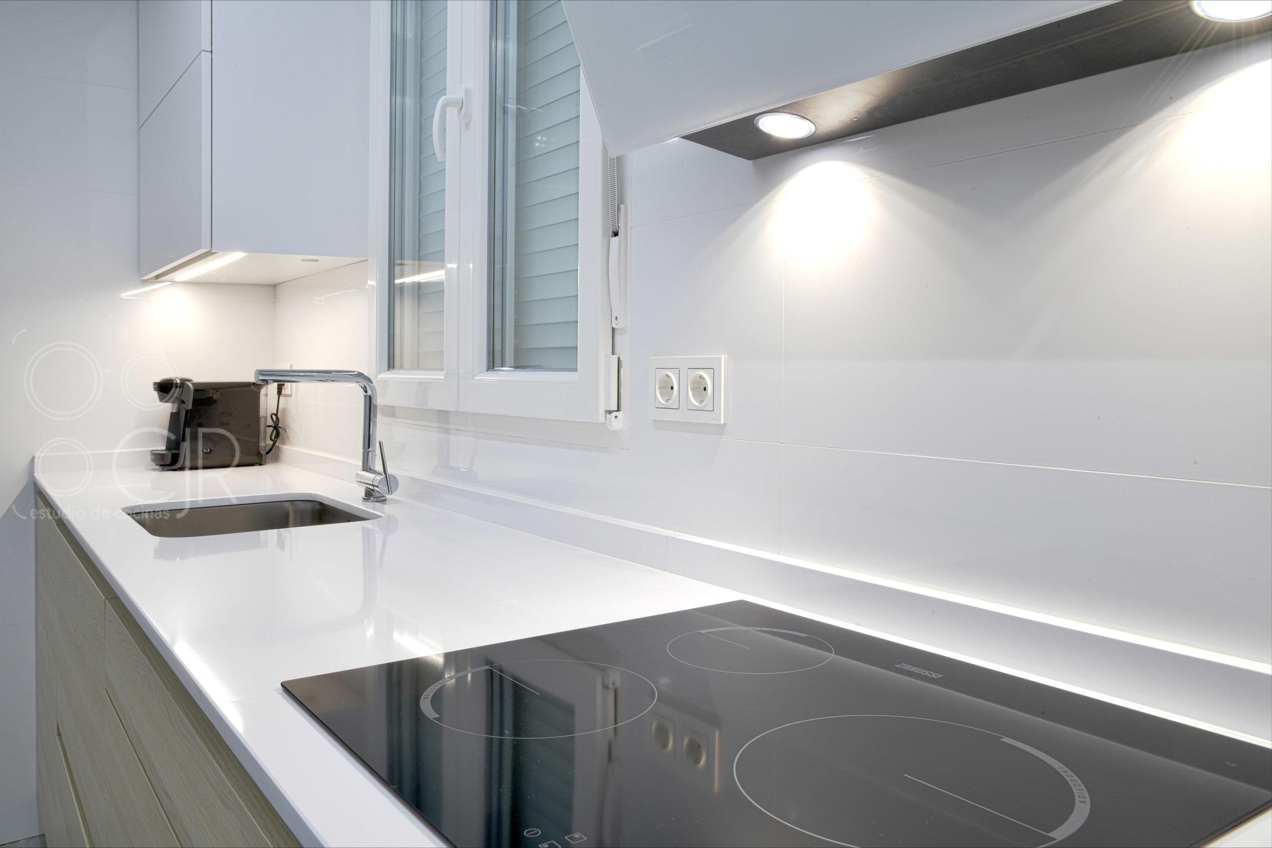 cocinas con encimera blanca silestone zeus iconic white